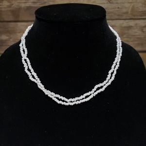 Vtg white stone or glass bead necklace